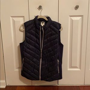 Gap women's large puffer vest